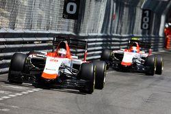 Will Stevens, Manor F1 Team, leidt teamgenoot Roberto Merhi, Manor F1 Team