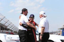 Tim Cindric, Roger Penske and Race winner Juan Pablo Montoya, Team Penske Chevrolet