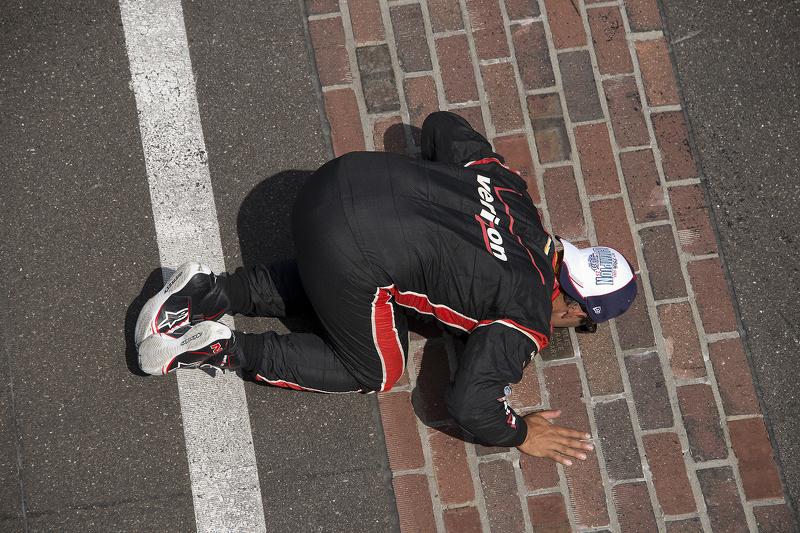 El ganador Juan Pablo Montoya, de Penske Chevrolet