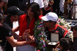 El ganador de la carrera, Juan Pablo Montoya, Team Penske Chevrolet