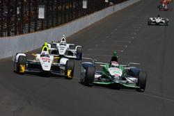 Josef Newgarden, CFH Racing Chevrolet and Carlos Munoz, Andretti Autosport Honda