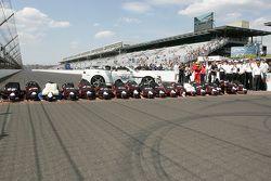 Le vainqueur Juan Pablo Montoya, Team Penske Chevrolet fête son succès