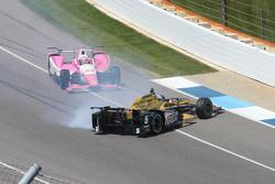Ryan Briscoe, Schmidt Peterson Motorsports Honda spins