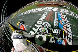 Carl Edwards, Joe Gibbs Racing Toyota crossed the finish line