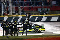 Vencedor Carl Edwards, Joe Gibbs Racing Toyota