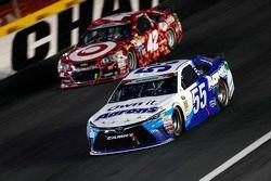 David Ragan, Michael Waltrip Racing Toyota and Kyle Larson, Chip Ganassi Racing Chevrolet
