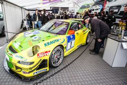 #1 Team Manthey Porsche 911 GT3 RSR dari akhir 2000-an dipamerkan