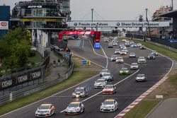 Start of the third group: #253 Lubner Motorsport Opel Astra OPC Cup: Daniel Bohr, Michael Brüggenkam