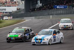 #190 Aesthetic Racing BMW 325i E90: Heinz-Jürgen Kroner, Petra Baecker and #143 MSC Sinzig e.V. im A