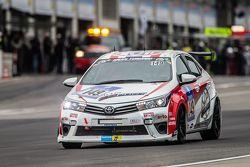 #149 Toyota Team Thailand Toyota Corolla Altis: Suttipong Smittacharch, Nattavude Charoensukhawatana