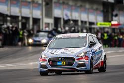 #131 Hyundai Motor Deutschland Hyundai i30 Coupé Turbo: Markus Schrick, Peter Schumann, Michael Bohr