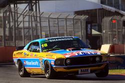 John Bowe in seinem Tourenwagen-Masters Mustang