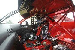 Rick Kelly bestuurt de 1992 Nissan Skyline GTR