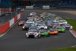 Start: #23 Nissan GT Academy Team RJN Nissan GT-R Nismo GT3: Katsumasa Chiyo, Wolfgang Reip, Alex Bu