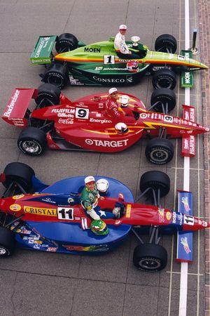 La première ligne, Greg Ray, Team Menard, Juan Pablo Montoya, Chip Ganassi Racing, et Eliseo Salazar