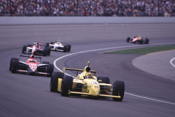 Scott Goodyear, Panther Racing devant un groupe