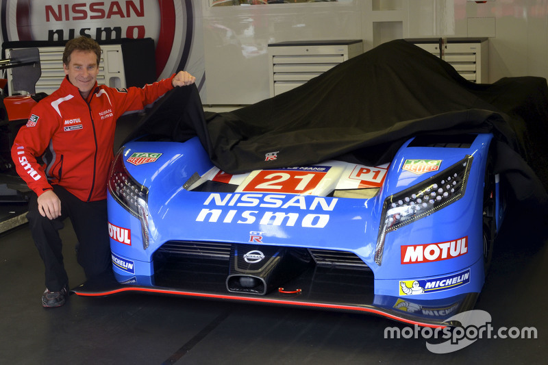 Nissan retro livery unveil