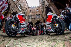 Ducati Team am Piazza del Campo, Siena