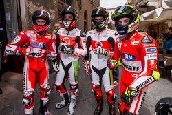 Andrea Dovizio, Ducati Team, Yonny Hernandez und Dani Petrucci, Pramac Racing Ducati, und Andrea Ian