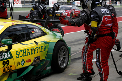 Pierde tuerca de la rueda, Mike Rockenfeller, Audi Sport Team Phoenix Audi RS 5 DTM