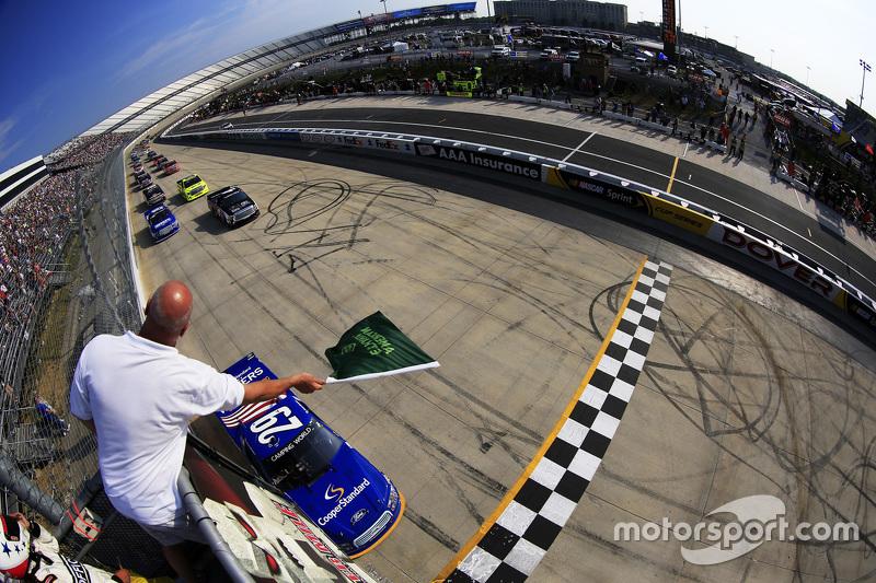 Largada: Ryan Blaney, Brad Keselowski Racing Ford