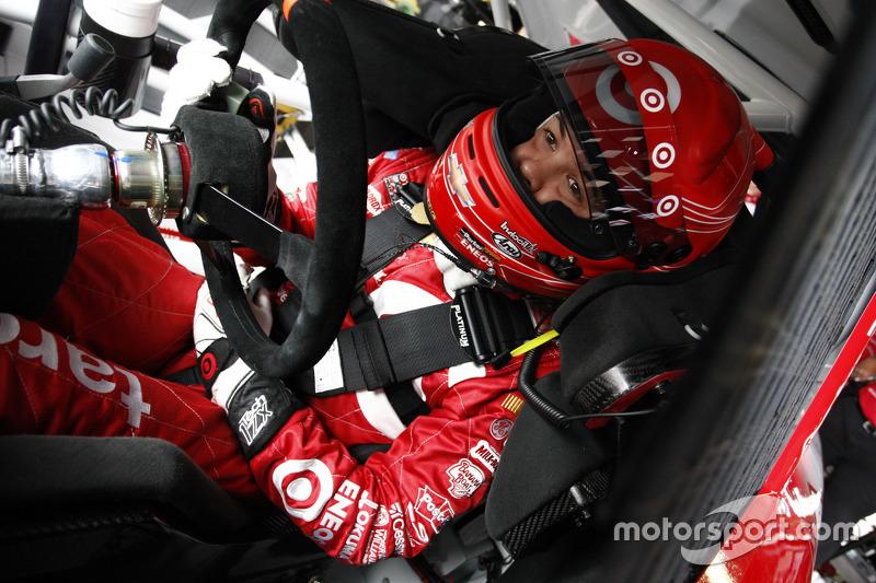 Troisième place pour Larson en qualification