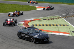 Felix Rosenqvist, Prema Powerteam Dallara Mercedes-Benz y Santino Ferrucci, Mücke MotorsportDallara