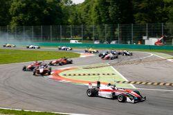 Felix Rosenqvist, Prema Powerteam Dallara, Mercedes-Benz; Santino Ferrucci, Mücke Motorsport, Dallar