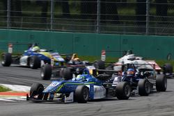 Nicolas Pohler, Double R Racing Dallara Mercedes-Benz y Tatiana Calderon, Carlin Dallara Volkswagen