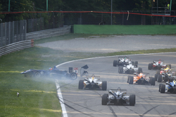 Tatiana Calderon, Carlin Dallara Volkswagen dando vueltas