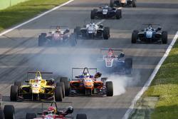 Gustavo Menezes, Jagonya Ayam con Carlin, Volkswagen y Maximilian Gunther, Mücke Motorsport Dallara
