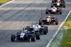 George Russell, Carlin, Dallara Volkswagen; Sergio Sette Camara, Motopark, Dallara Volkswagen, und D
