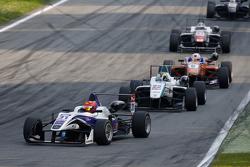 Martin Cao, Fortec Motorsports Dallara Mercedes-Benz y Nabil Jeffri, Motopark Dallara Volkswagen y M