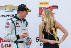 Podio: El tercer puesto # 16 GT3 Bentley equipo Dyson Racing Bentley Continental: Chris Dyson