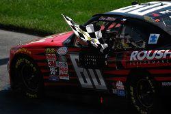 Race winner Chris Buescher, Roush Fenway Racing Ford
