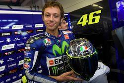 Diseño del casco de Valentino Rossi, de Yamaha Factory Racing para el 2015 Gran Premio de Italia en Mugello