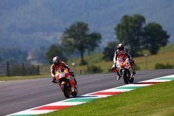 Dani Pedrosa, Repsol Honda Team y Yonny Hernandez, Pramac Racing Ducati