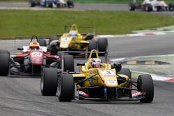 Antonio Giovinazzi, Jagonya Ayam con Carlin Dallara Volkswagen y Brandon Maisano, Prema Powerteam Da