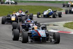 Raoul Hyman, Team West-Tec F3, Dallara Mercedes-Benz, und Tatiana Calderon, Carlin, Dallara Volkswag