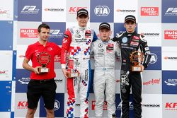 Race 3 Podium: second place Jake Dennis and winner Felix Rosenqvist, Prema Powerteam and third place Charles Leclerc, Van Amersfoort Racing