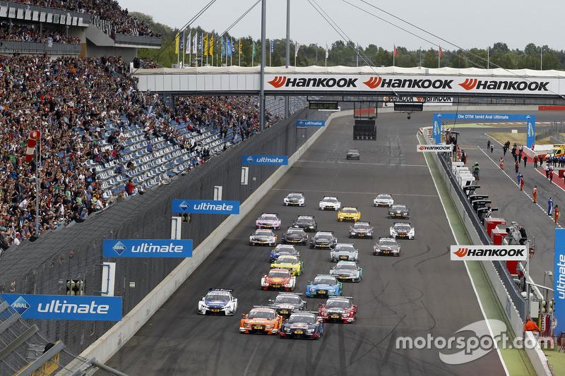 Start: Mattias Ekström, Audi Sport Team Abt Sportsline, Audi A5 DTM, in Führung