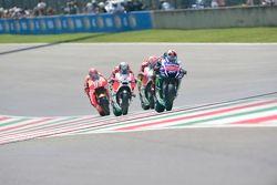 Jorge Lorenzo, Yamaha Factory Racing con Andrea Iannone and Andrea Dovizioso, Ducati Team y Marc Már