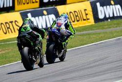 Valentino Rossi, Yamaha Factory Racing, et Pol Espargaro, Tech 3 Yamaha