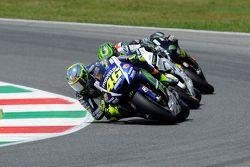 Valentino Rossi, Yamaha Factory Racing; Cal Crutchlow, Team LCR, Honda, und Bradley Smith, Tech 3, Y