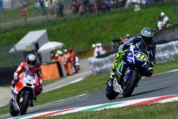 Valentino Rossi, Yamaha Factory Racing, et Andrea Dovizioso, Ducati Team
