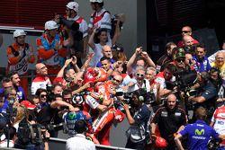 Il Secondo Posto Andrea Iannone, Ducati Team festeggia nel parco chiuso