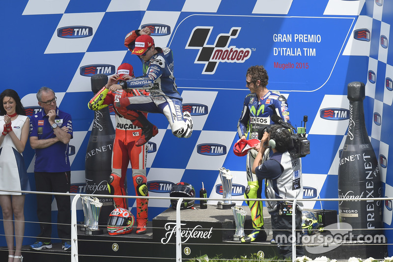 Podio: 1º Jorge Lorenzo, 2º Andrea Iannone, 3º Valentino Rossi