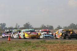 Leonel Pernia, Las Toscas Racing Chevrolet and Nicolas Bonelli, Bonelli Competicion Ford and Carlos