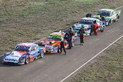 Technical scrutineering Jose Savino, Savino Sport Ford, Jonatan Castellano, Castellano Power Team Do