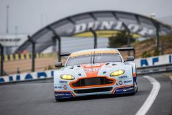 #96 Aston Martin Racing Aston Martin Vantage GTE: Fransasco Castellacci, Roald Goethe, Stuart Hall